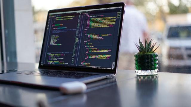 データ処理に用いられるプログラミング言語